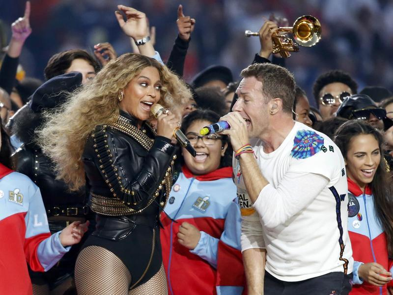 Beyonce and Chris Martin of Coldplay perform during half-time at the NFL's Super Bowl 50. (Reuters Photo)