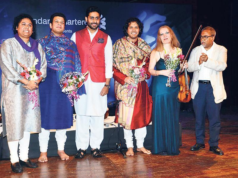 Amaan Ali Khan, Abhishek Bachchan, Ayaan Ali Khan and Grammy nominated violinist Elmira Darvarova were part of a music concert. (HT)
