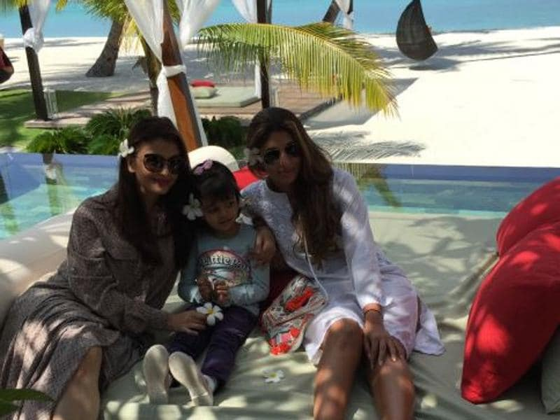 Aishwarya, Shweta Nanda and Aaradhya during a vacation. (Photo: Amitabh Bachchan's blog)