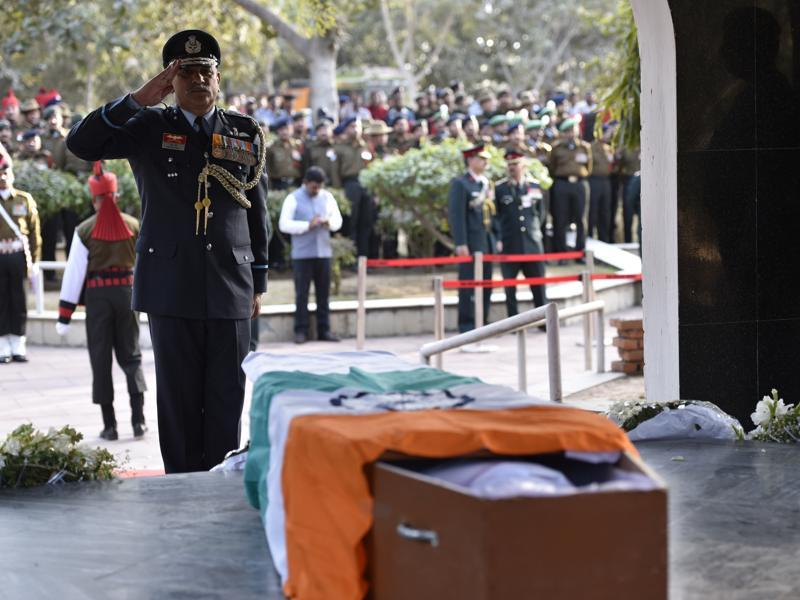 Air Chief Marshal Arup Raha salutes Koppad. (Arun Sharma/ HT Photo)