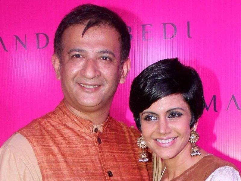 If you have started to feel a little disillusioned witnessing Valentine's Day marriage with so many break-ups, here is a couple with much more hope. TV actor and Cricket presenter, Mandira Bedi and Bollywood director Raj Kaushal tied the knot on February 14, 1999.  (FILE PHOTO)