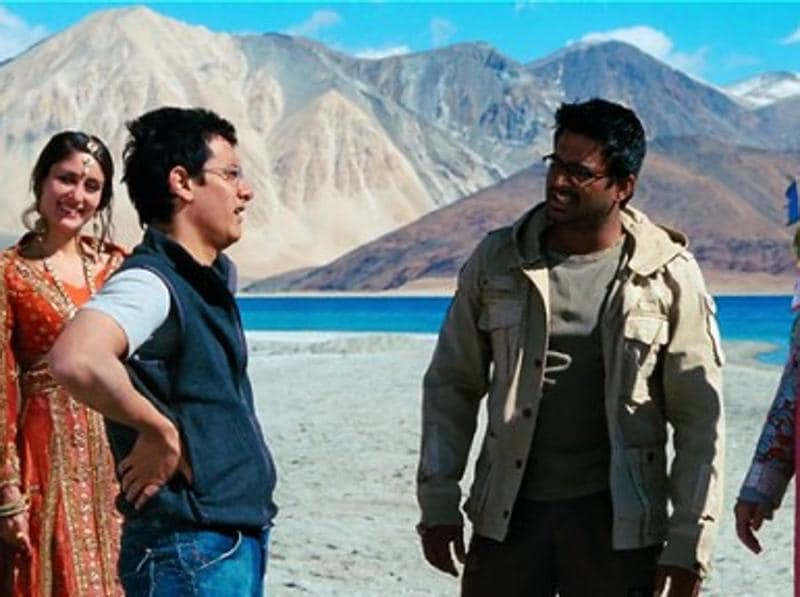 3 Idiots: The climax of this Aamir Khan-starrer released in 2009, treats the audience to the scenic beauty of Kashmir.