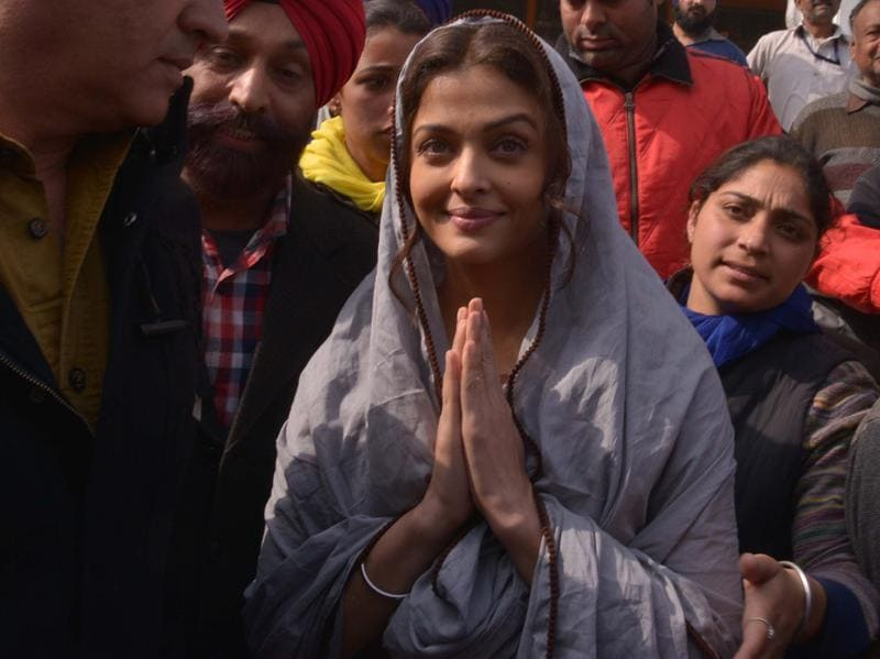 Aishwarya Rai Bachchan gestures during a visit to the Golden temple in Amritsar on February 12, 2016. Aishwarya visited the city during filming for her new film Sarbjit. (AFP)