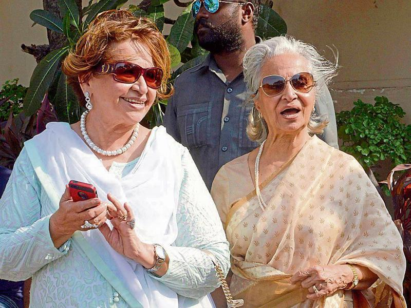 Helen and Waheeda Rehman bonding. (Yogen Shah)