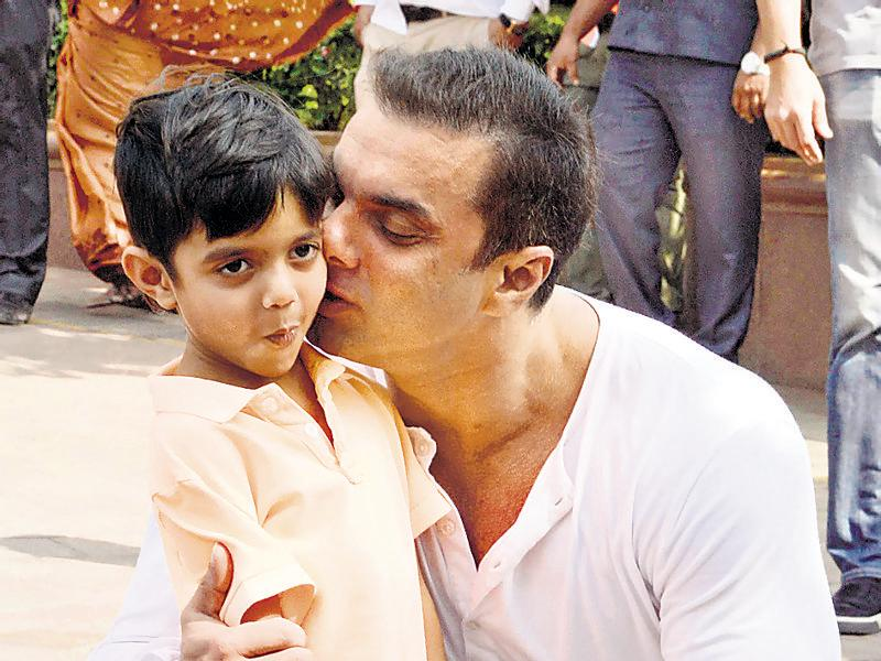 Sohail Khan with his son Yohan.  (Yogen Shah)