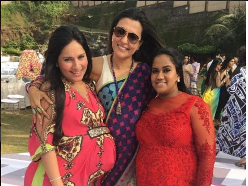 Mini Mathur poses with two expecting ladies, Arpita and Kanchi Kaul. (Instagram)