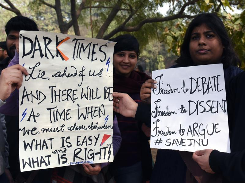 JNU students take out a march to Jantar Mantar. (Sushil Kumar/HT Photo)