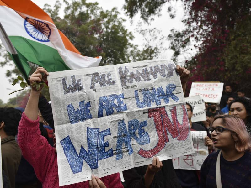 JNU students take out a march in support of JNUSU president who was sent to judicial custody. (Vipin Kumar/HT Photo)