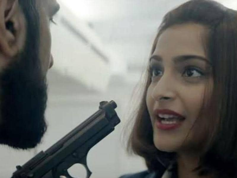 Kapoor plays the courageous air-hostess Neerja Bhanot who was murdered while saving passengers aboard the hijacked PanAm flight in 1986. (Twitter)