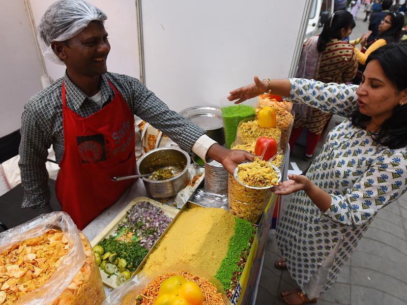 And just in case you're in mood for some bhel puri or papdi chat. Voila!  (Raj K Raj / HT Photo)