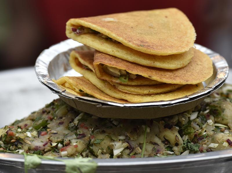 There's no  better time to indulge in some tasty street food, then now. Make plans, people. (Raj K Raj / HT Photo)