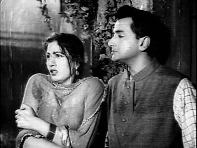Madhubala was also seen in P.L Santoshi's Barsaat Ki Raat (1960). (Youtube grab)