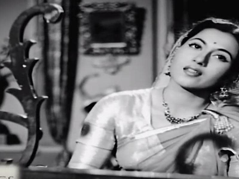 Madhubala was seen oppposite Dilip Kumar in Mehboob Khan's 1954 film Amar. (Youtube grab)