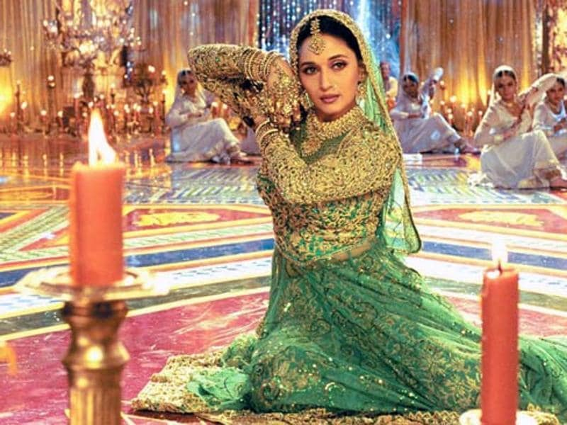 From the beautiful havelis of Chandramukhi to grand palaces of Paro and Dev, Bhansali created magic like never before with the film.  (Youtube grab)