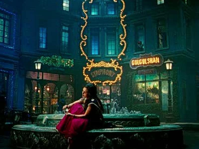 Ranbir Kapoor and Sonam Kapoor's debut Saawariya (2007) proved to be a dud at the  ticket windows but the film had some very popular songs and mesmerizing sets.  (Youtube grab)