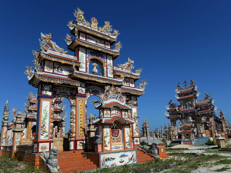 Hue, just outside Vietnam's ancient imperial capital, is a tiny fishing village known as the City of Ghosts.  (AFP)