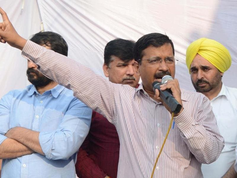 Amritsar, India – February 27 ::: Arvind Kejriwal Delhi chief minister and AAP convener alone with leaders Gurpreet Ghuggi, Bhagwant Mann and Sanjay Singh, after interacting with Widows during the visit in maqboolpura area of Amristar on Saturday, February 27, 2016. Photo by Gurpreet Singh/Hindustan Times
