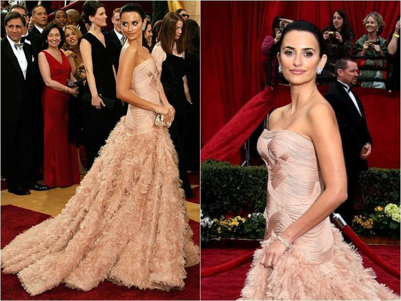 Penelope Cruz oozed confidence in her extravagant Atelier Versace dress in 2007. (Pinterest)