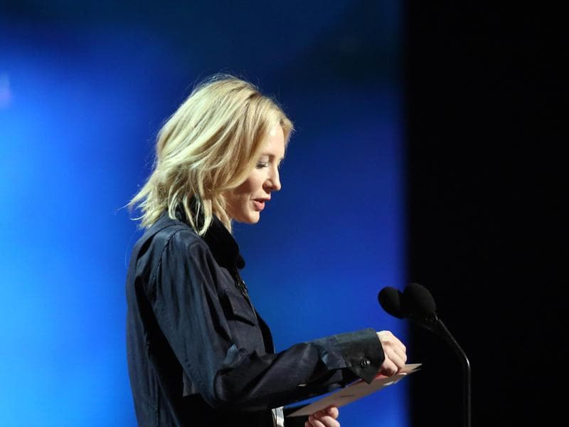 "Cate Blanchett was the most scrupulous in her rehearsal, running through her presentation several times. ""Is it here? Did I stop in my spot? Ish?"" she asked the stage manager, adding, ""You can always re-cast."" (Matt Sayles/Invision/AP)"