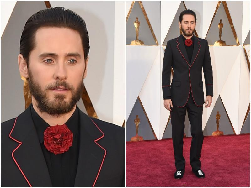 What went wrong here, Jared Leto? A rose for a bow tie? Nope, not working at all. (AP)