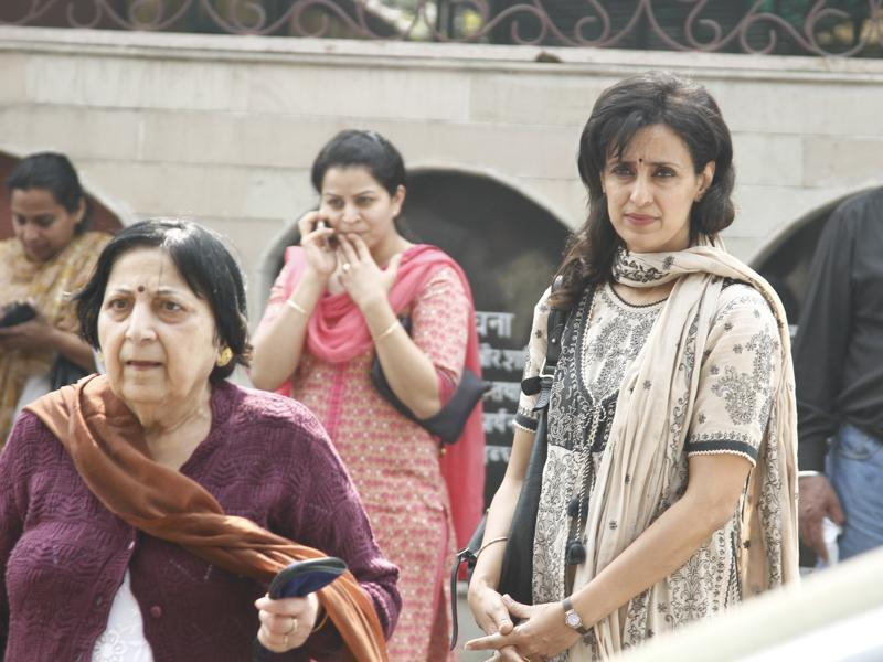 Dancer and actor Shivani Wazir Pasrich also came to pay her last respect. (Waseem Gashroo/Hindustan Times)