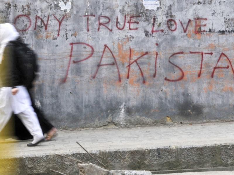In the labyrinth of narrow lanes around the Jamia Masjid in Srinagar,  these pieces of graffiti have become a common sight.   (Waseem Andrabi//HT Photo)