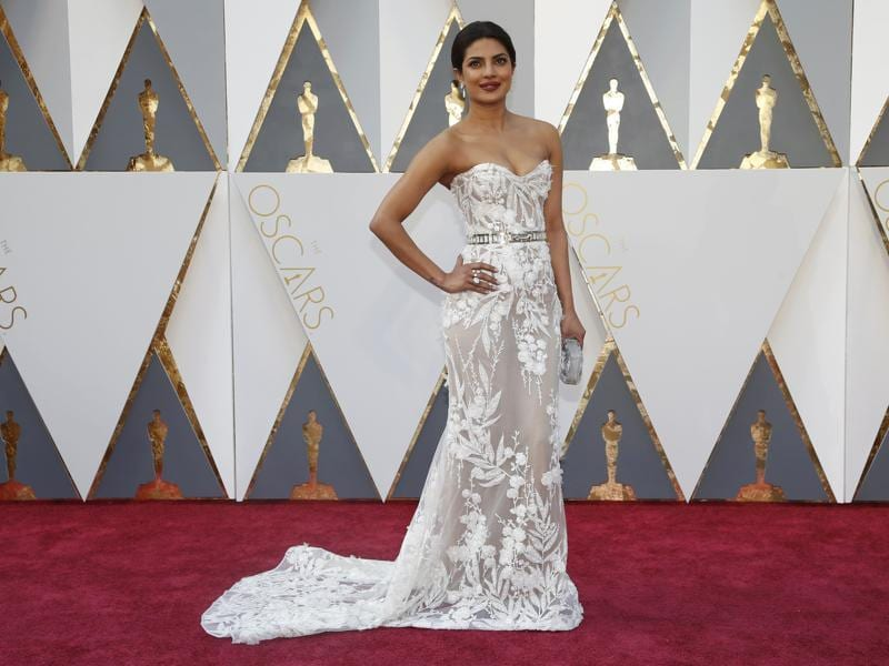 Priyanka Chopra arrives at the 88th Academy Awards. She came, she posed, she slayed.  (REUTERS)