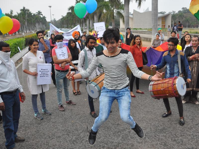 People taking part in the LGBT parade from Panjab University, Chandigarh, on Sunday. (Karun Sharma/ht)