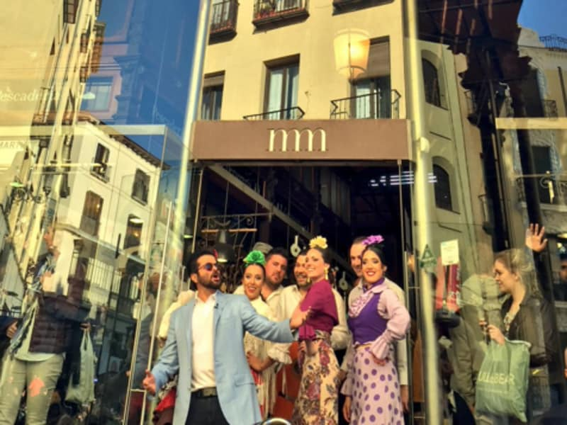 Anil Kapoor adds a dash of colour to Spain in a distinctly desi way.