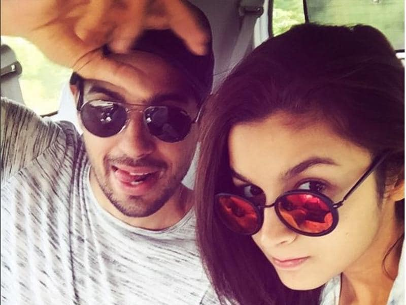 Say what you will about Alia and her alleged boyfriend, actor Sidharth Malhotra, the two clearly don't take themselves too seriously. This picture is proof. (Instagram)