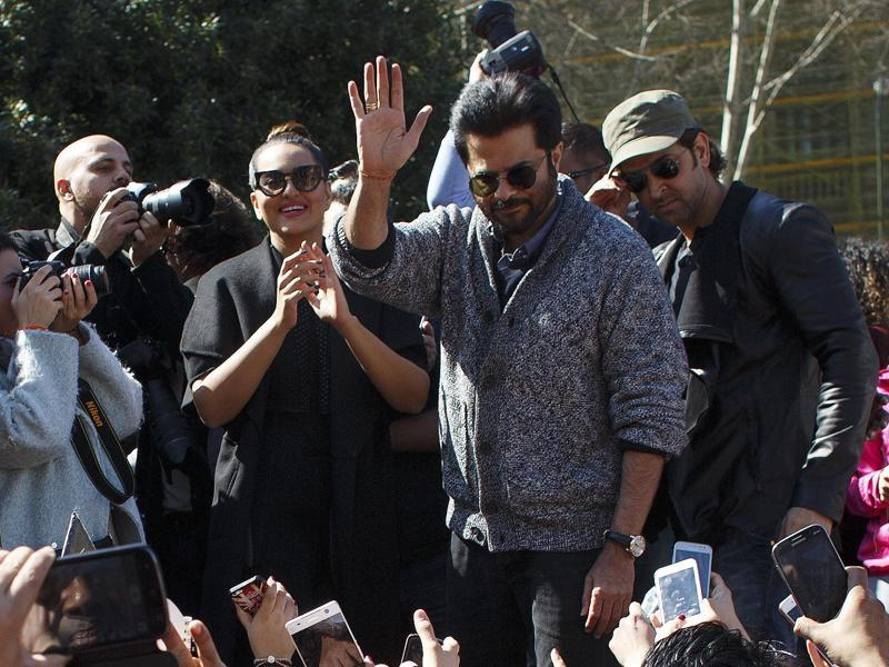 Anil Kapoor waves to fans in Madrid. (REUTErS)