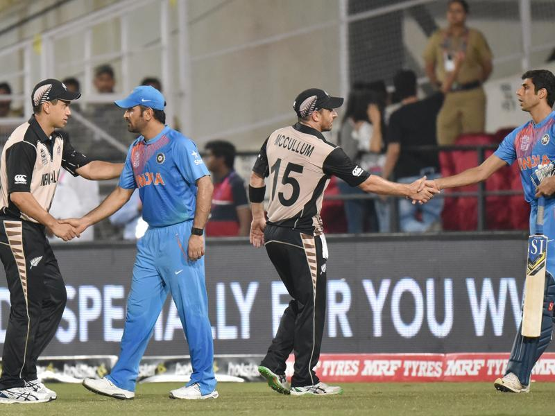 Players of New Zealand and India greet shake hands after the match. (Pratham Gokhale/HT Photo)