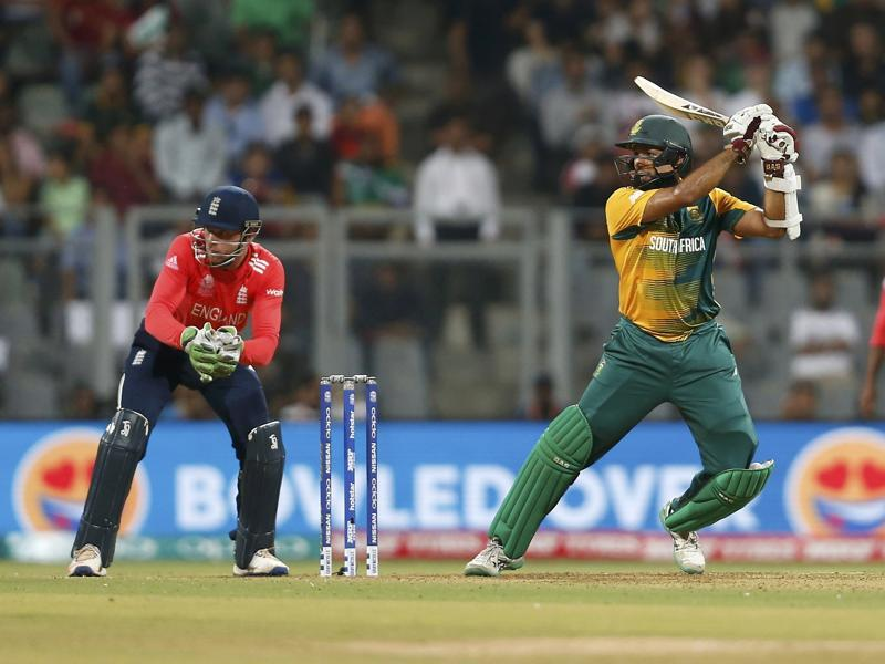 South Africa's Hashim Amla strokes a boundary through the off side. (REUTERS)