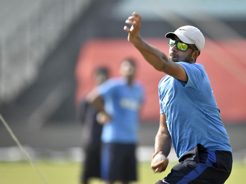 Indian spinner Ravichandran Ashwin during practice. (Ajay Aggarwal/HT Photo)