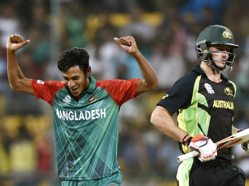Bangladesh player Mustafizur Rahman celebrates with team wicket of Smith during T20 World Cup league match. (Vipin Kumar/HT Photo)