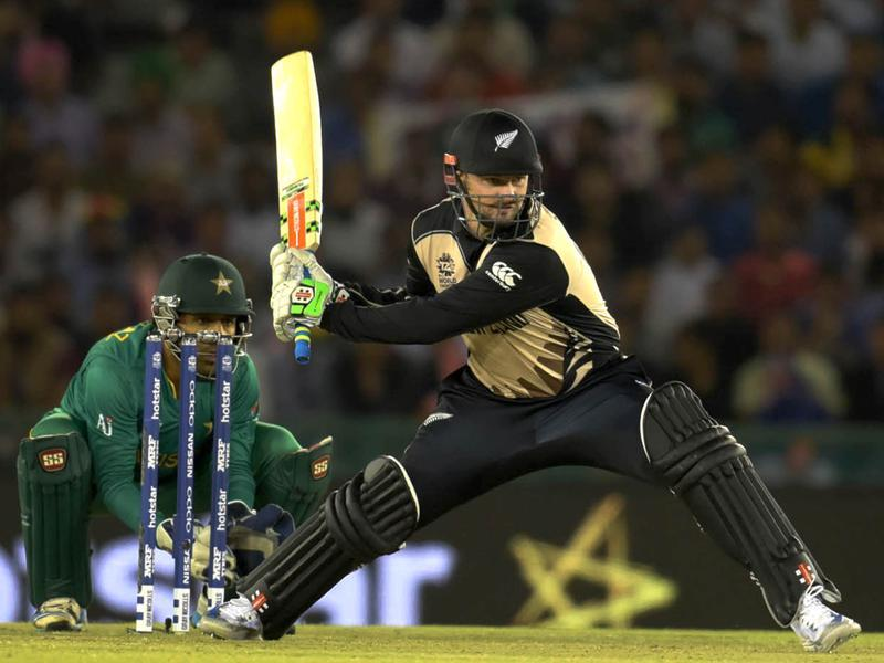 Colin Munro of New Zealand play a shot against Pakistan team during the World cup match.  (Ravi Kumar/HT Photo)
