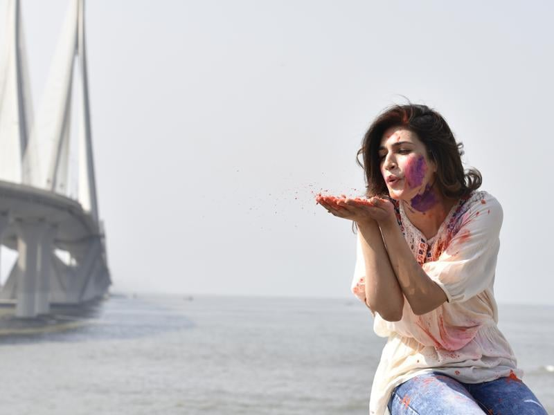 The Dilwale actor has scaled down on her Holi celebrations in the past. (Vidya Subramanian/HT photo)