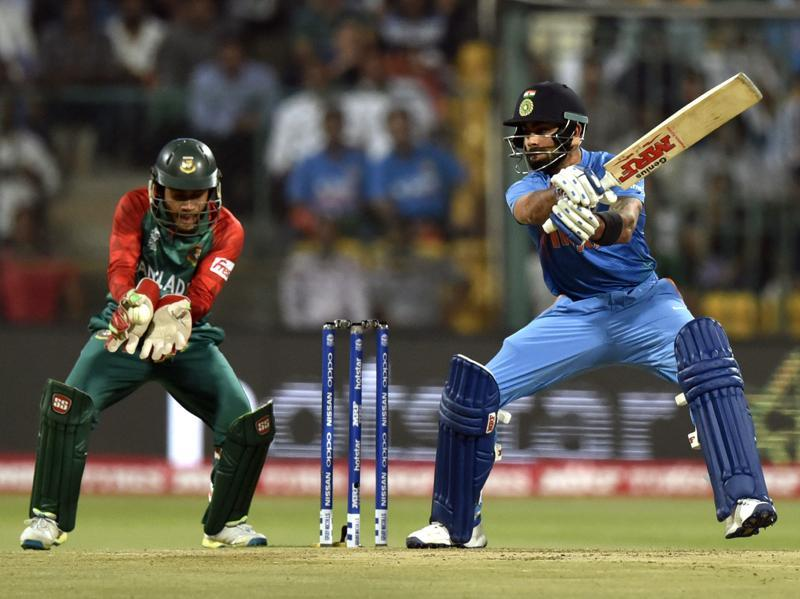 Indian player Virat Kohli during T20 World Cup league match at against Bangladesh at M. Chinnaswamy Stadium in Bangalore. (Vipin Kumar/HT Photo)