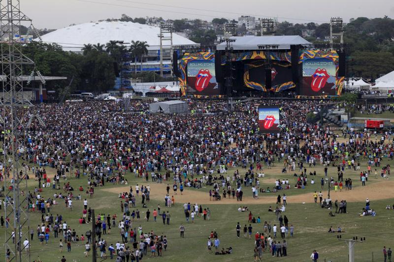 Fans wait for the free outdoor concert by the Rolling Stones at Ciudad Deportiva de la Habana sports complex in Havana. (REUTERS)