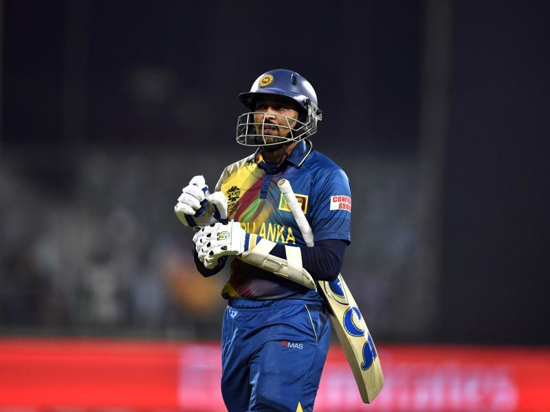 Sri Lanka`s Tillakartane Dilshan walks back to the pavilion after his dismissal in the first over. (Sanjeev Verma/HT Photo)