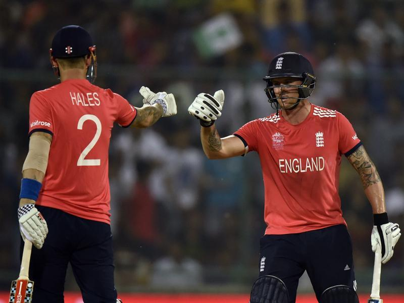 Jason Roy and Alex Hales exchange a fist pump after a shot. (Virendra Singh Gosain/HT Photo)