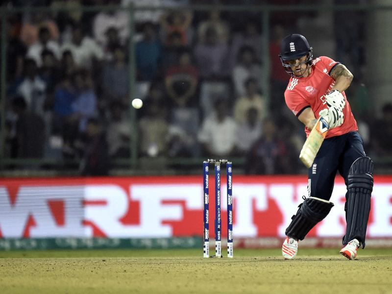 Jason Roy hits an inside-out lofted shot. (Ajay Aggarwal/HT Photo)