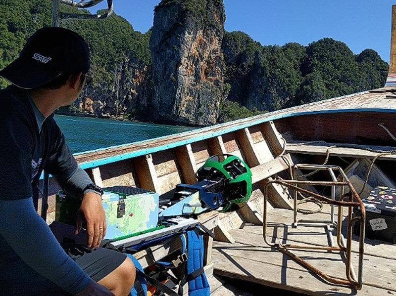 The herculean task of charting the country's iconic landmarks and most stunning landscapes were given to Thai triathlete Panupong Luangsa-ard. (Google/ Mashable)