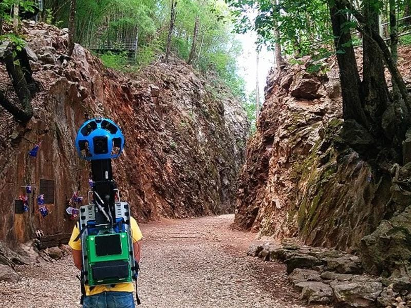 For two years, the trekker traipsed through rolling hills, forests, tropical beaches, strawberry plantations, rice terraces and ancient ruins carrying an 18kg-backpack to capture 360-degree panoramic footage. (Google/ Mashable)