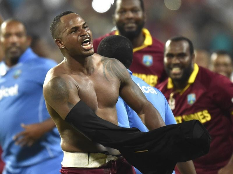 Marlon Samuels celebrating after winning the World T20 final. (Ajay Aggarwal/HT photo)