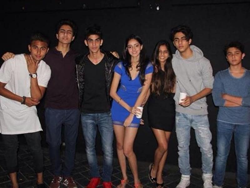 Aryan Khan shared a picture where he is seen with Suhaana and Ibrahim Khan and a few friends. (Instagram)