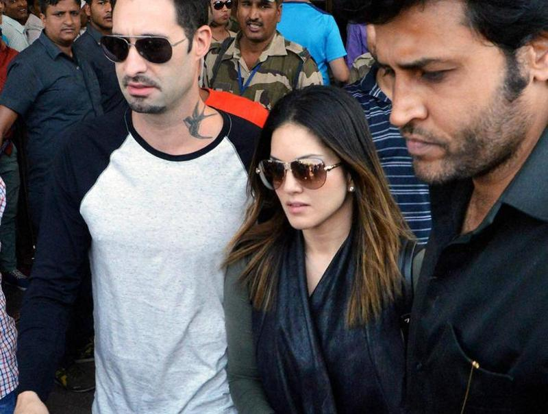 Bollywood actor Sunny Leone arrives in Patna airport on Sunday. (PTI)