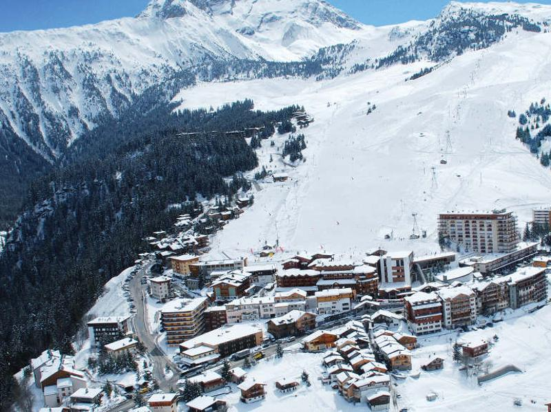 Once a predominantly French resort, referred to as the 21st arrondissement of Paris, it is today a cosmopolitan destination attracting a jet-set crowd from as far as Russia and Argentina. (courchevel.com)