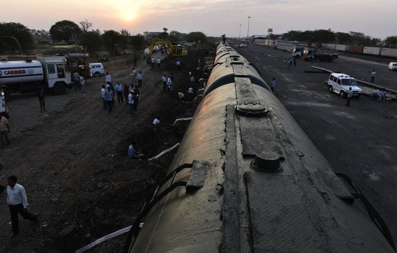The water train with 10 wagons left from Miraj in western Maharashtra at around 11am on Monday and reached Latur at 5am on Tuesday, taking 18 hours to traverse a distance of around 350 kilometres. (Anshuman Poyrekar/HT Photo)