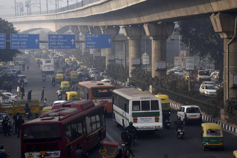 Delhi's first tryst with odd-even was at the start of the new year, from January 1 to 15. While there was no conclusive evidence of a drop in pollution levels, the scheme did lead to a sharp decline in traffic, especially during rush hours.  (Tribhuwan Sharma/ HT Photo)